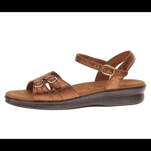 SAS duo bronze crackle leather sandals 8